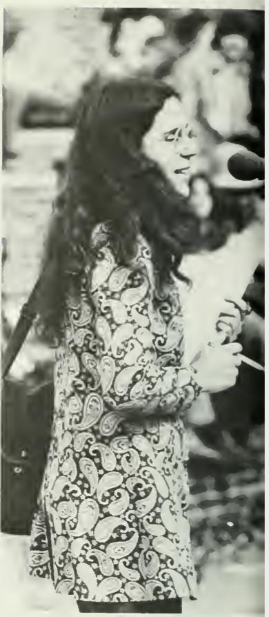 Suzanne Bisset (Rev. Selena Fox), 1971 Colonial Echo, vol. 1, p. 92